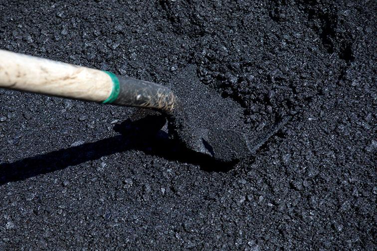 Sampling asphalt for quality control